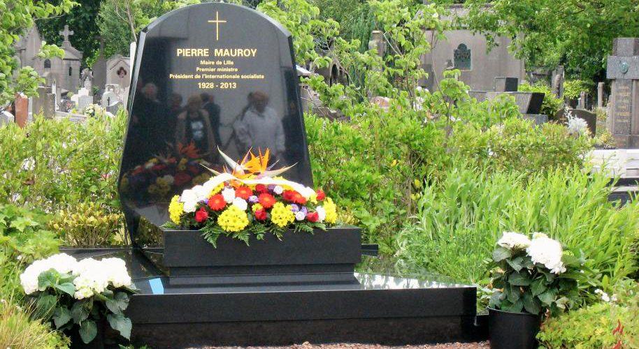 Tombe de Pierre Mauroy à Lille, 2017